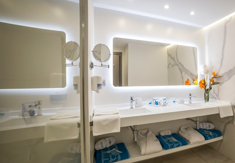 Revestimientos para paredes y techos innova hotels grup - Revestimientos para techos ...