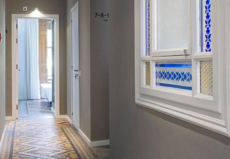 Revestimientos para paredes y techos innova hotels grup - Paneles de fibra de vidrio para paredes ...