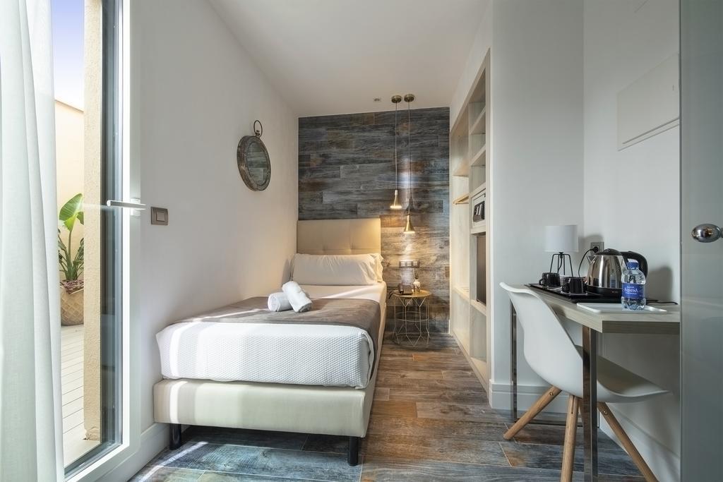 Hotel Oasis (2)
